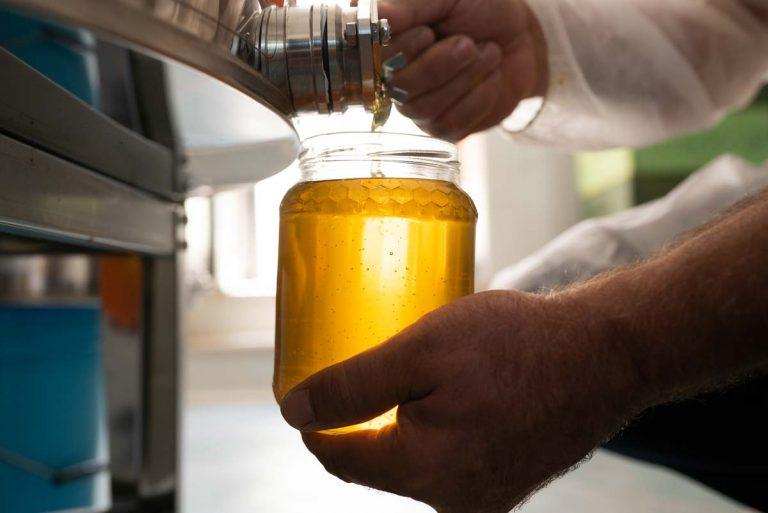 invasettamento-miele